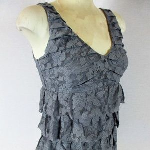 EXPRESS womens Small gray LACE TIERED top (M)E1